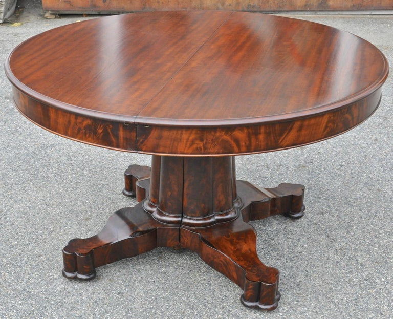 Period American Early 19th Century Round Extension Dining Table by Charles Hobe For Sale 2