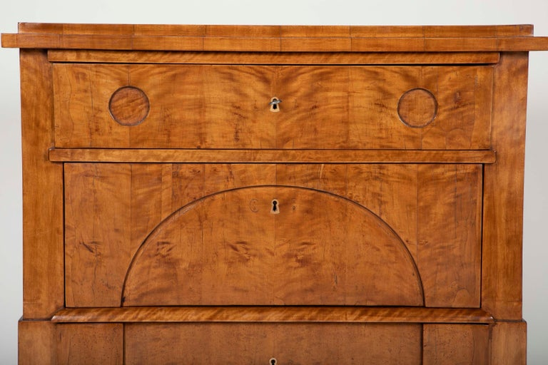 Period Biedermeier Birch Chest with Modern Appeal In Good Condition For Sale In Stamford, CT