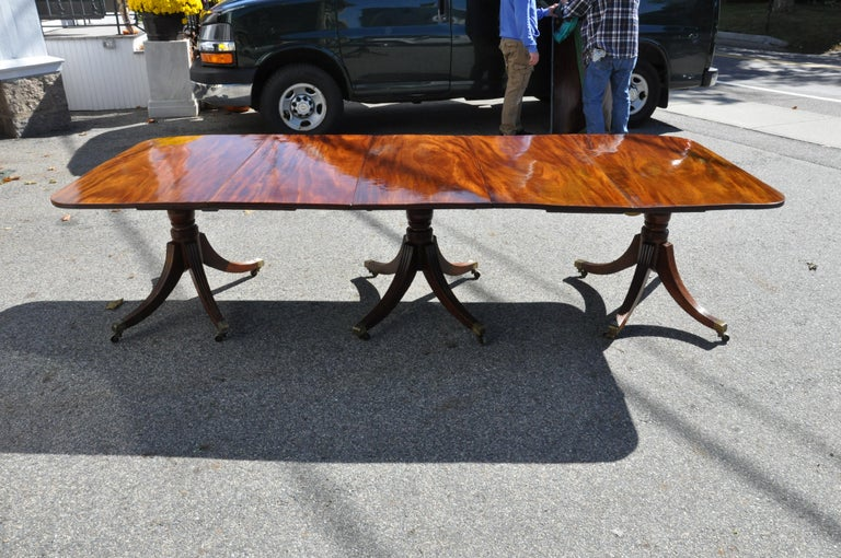 Period Early 19th Century American Three Pedestal Dining Table For Sale 5