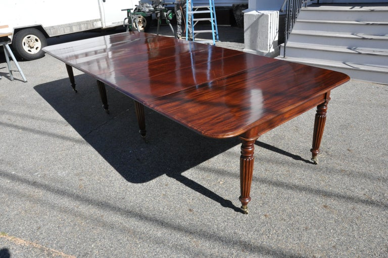 Period Early 19th Century Irish Regency Cuban Mahogany Dining Table For Sale 1