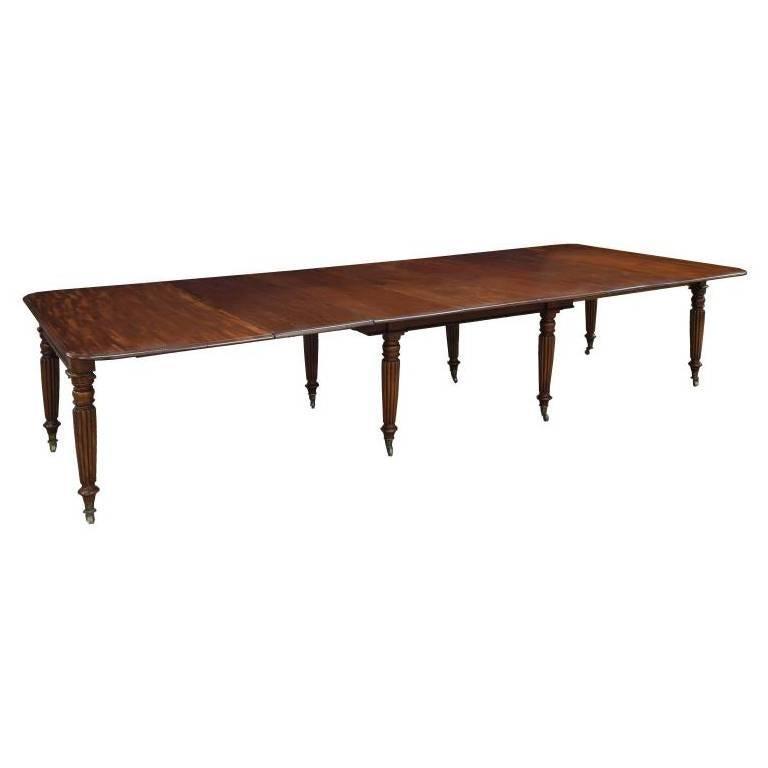 English Period Early 19th Century Irish Regency Mahogany Dining Table For Sale