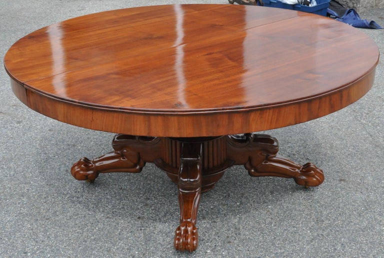 Carved Period Early 19th Century Neoclassical Walnut Round Expanding Dining Table