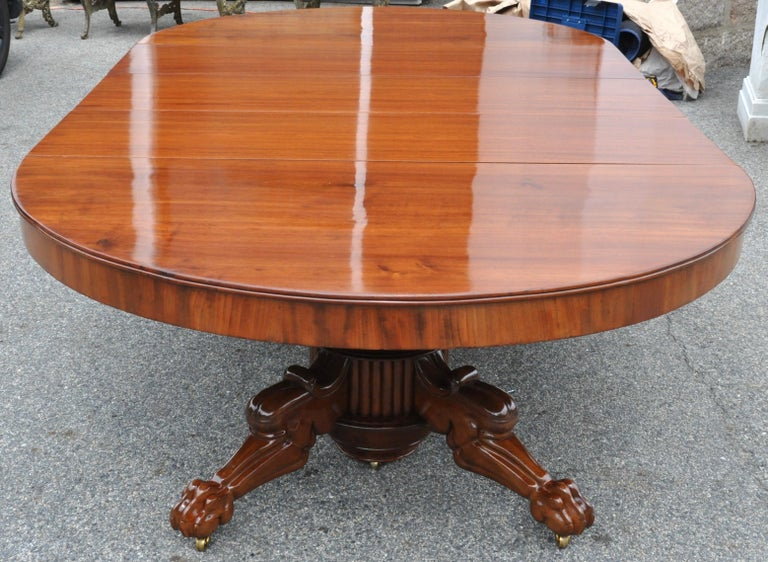 Period Early 19th Century Neoclassical Walnut Round Expanding Dining Table 3