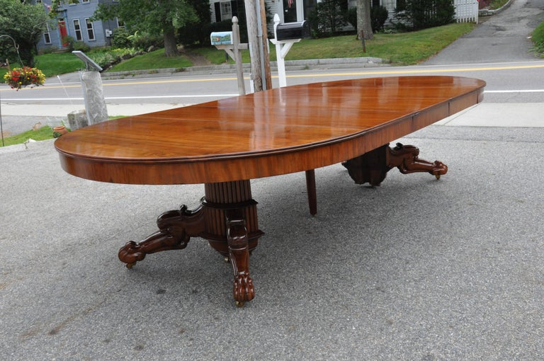 Period Early 19th Century Neoclassical Walnut Round Expanding Dining Table 4