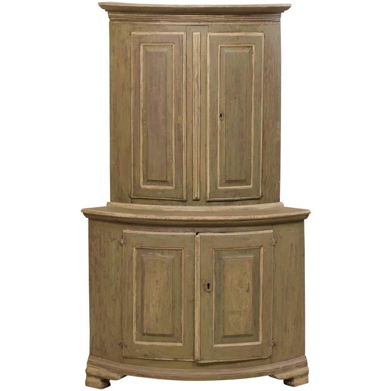 Period Gustavian Swedish Painted Wood Corner Cabinet, circa 1770-1780