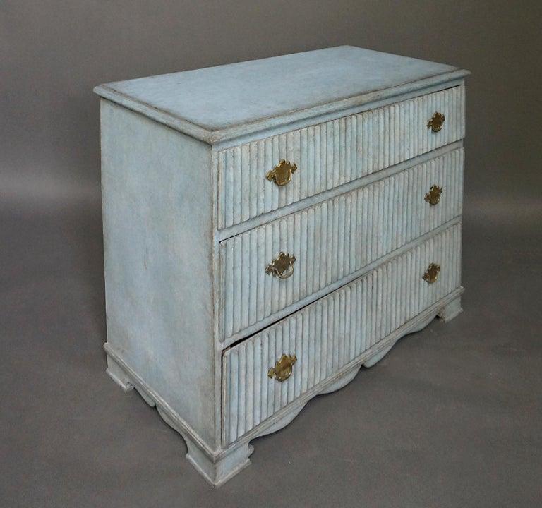 Period Gustavian Three-Drawer Chest For Sale 1