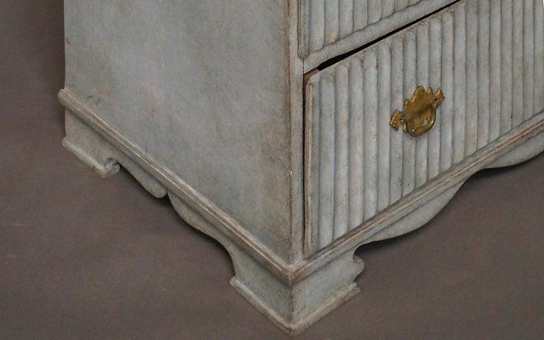 Period Gustavian Three-Drawer Chest For Sale 2
