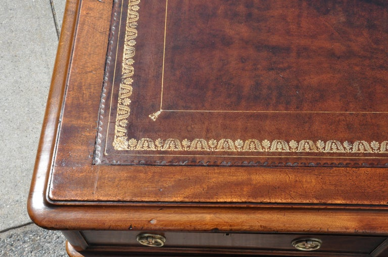 English Period Mid-19th Century Georgian Mahogany Partners Desk For Sale