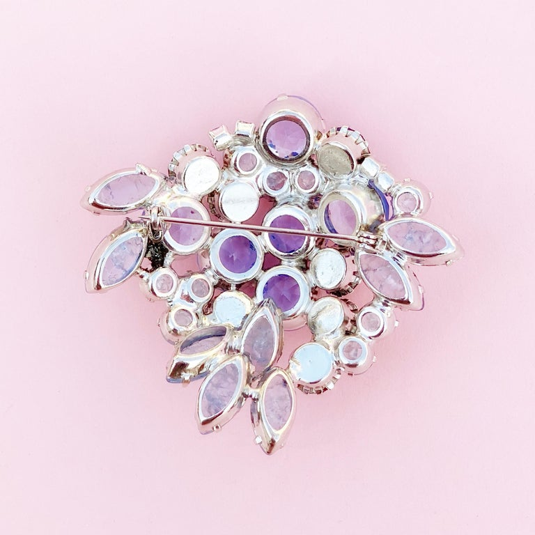 Periwinkle Blue Crystal Rhinestone Layered Juliana Brooch By DeLizza & Elster In Good Condition For Sale In Los Angeles, CA