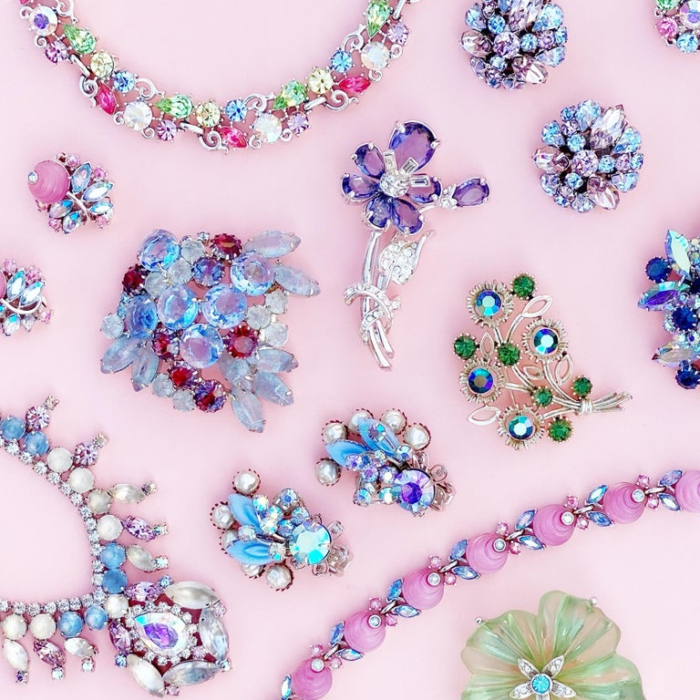 Periwinkle Blue Crystal Rhinestone Layered Juliana Brooch By DeLizza & Elster For Sale 1