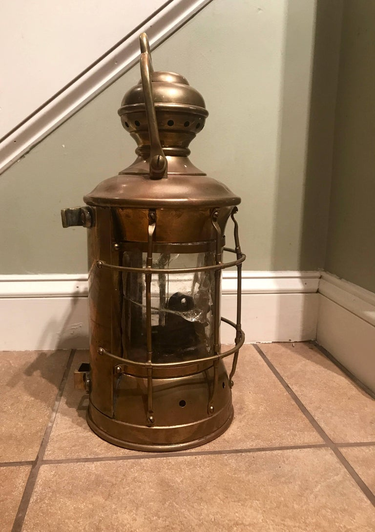 Perkins Marine Brass Ship Standing Light, circa 1916 In Good Condition For Sale In Billerica, MA