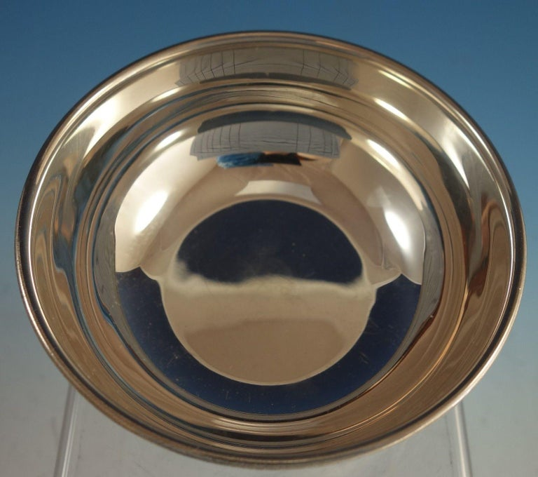 American Perlita Silversmith Mexican Sterling Silver Bowl with 3 Ball Feet Modernism For Sale