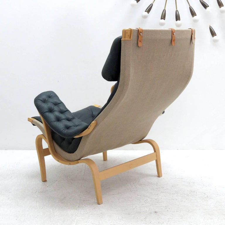 Pernilla Lounge Chair with Ottoman by Bruno Mathsson for DUX In Excellent Condition For Sale In Los Angeles, CA