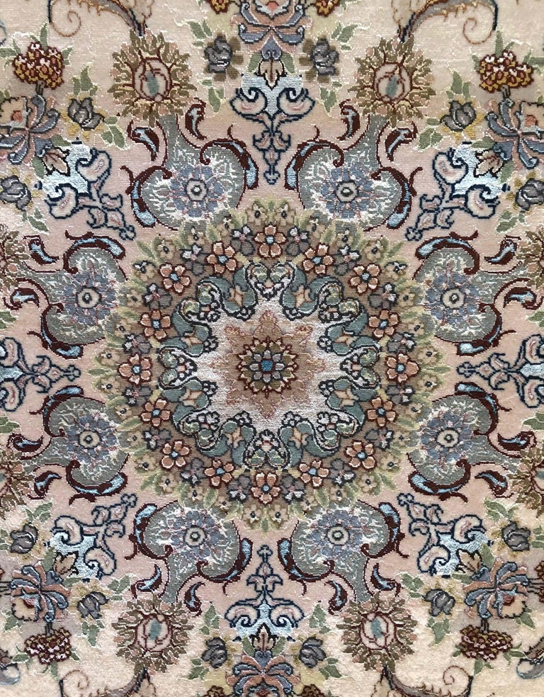 Persian Hand Knotted Medallion Floral Nouvinfar Design Tabriz Rug In New Condition For Sale In San Diego, CA