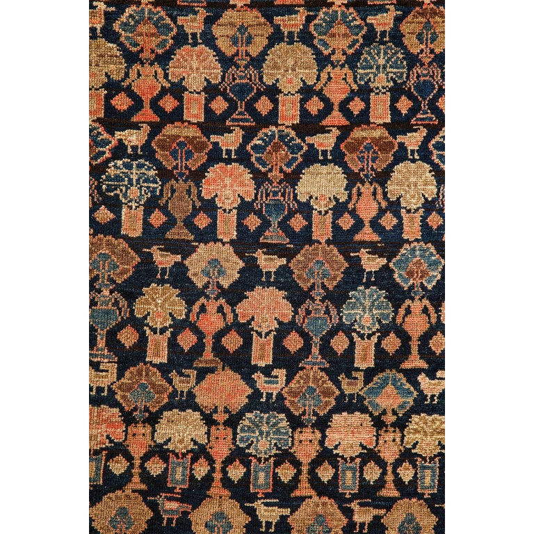 Persian Malayer Carpet circa 1900 in Pure Handspun Wool and Vegetable Dyes In Good Condition For Sale In New York, NY