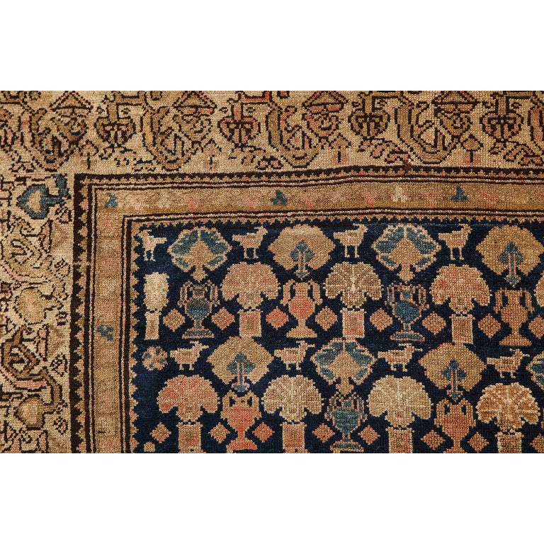 Persian Malayer Carpet circa 1900 in Pure Handspun Wool and Vegetable Dyes For Sale 2