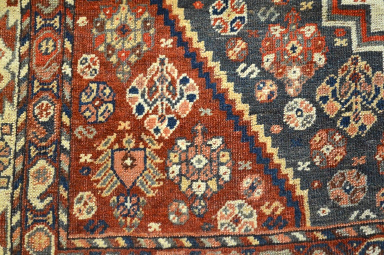 Persian Qashqai Carpet, circa 1880 in Pure Handspun Wool and Vegetable Dyes In Good Condition For Sale In New York, NY