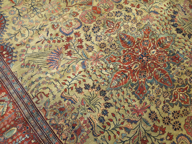 Persian Sarouk Fereghan Rug In Excellent Condition For Sale In New York, NY
