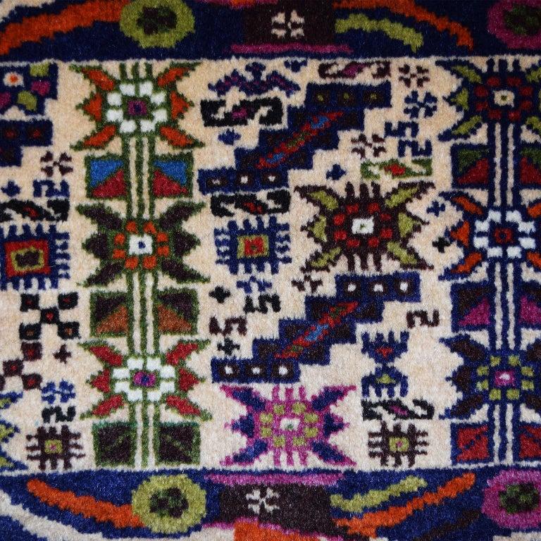Persian Zabol Carpet circa 1940 in Handspun Wool and Vegetal Dyes For Sale 1