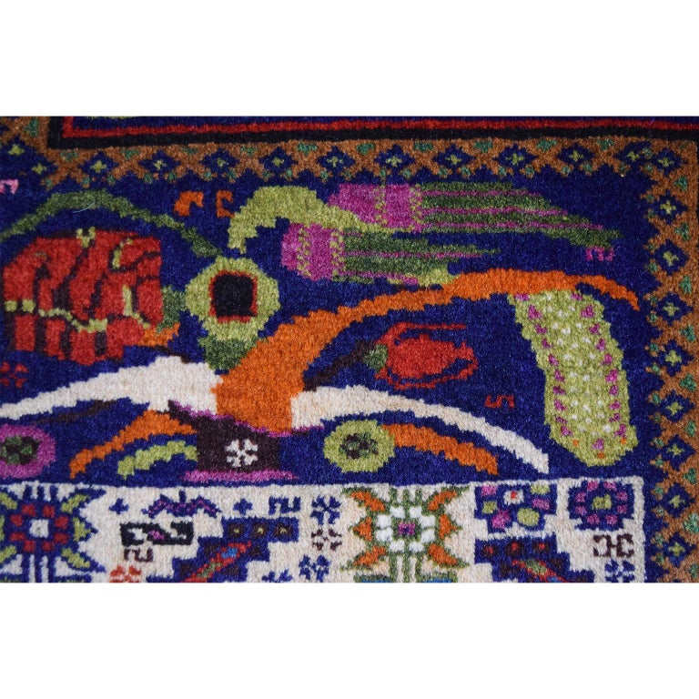 Persian Zabol Carpet circa 1940 in Handspun Wool and Vegetal Dyes For Sale 2