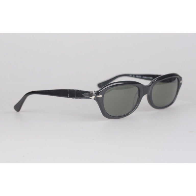 MATERIAL: Acetate COLOR: Black MODEL: PP503 GENDER: Adult Unisex SIZE: Medium Condition A+ - MINT NOS (NEW OLD STOCK) - Never Worn or Used - Comes with a GENERIC Case Measurements EYEWEAR MAX WIDTH:130 mm TEMPLE MAX. LENGTH: 137 mm EYE / LENS MAX.