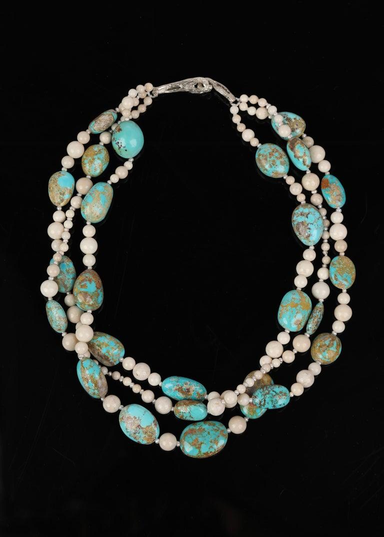 Peruvian Opal Freshwater Pearl River Stone Jasper Smoky Quartz White Gold For Sale 2