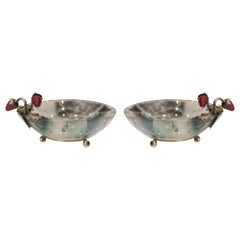 Pestelli Contemporary Fluorite Bowls with Silver Leaves and Stone Berries