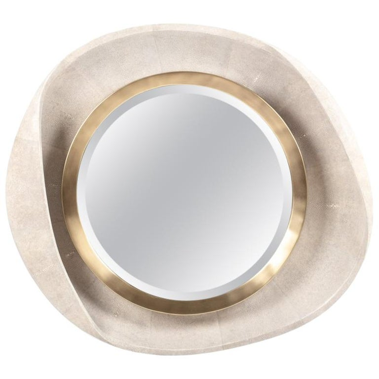 Petal Mirror in Black Shell and Bronze-Patina Brass by R&Y Augousti In New Condition For Sale In New York, NY