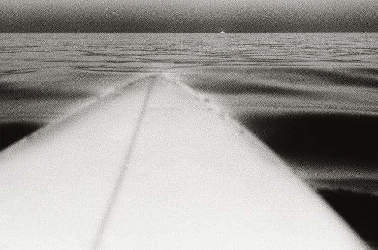 Surfboard with Setting Sun, Santa Monica, California, U.S.A. – Anthony Friedkin - Contemporary Photograph by Anthony Friedkin