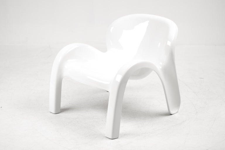 Fiberglass Peter Ghyczy GN2 Lounge Chair For Sale