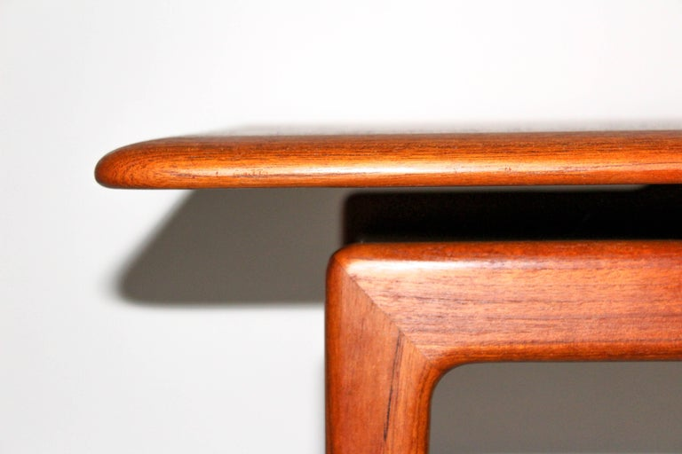 Peter Hvidt & Orla Mølgaard Nielsen Solid Teak Coffee Table In Good Condition For Sale In Malmo, SE