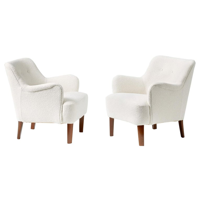 Peter Hvidt 1940s Pair of Boucle Armchairs for Fritz Hansen For Sale