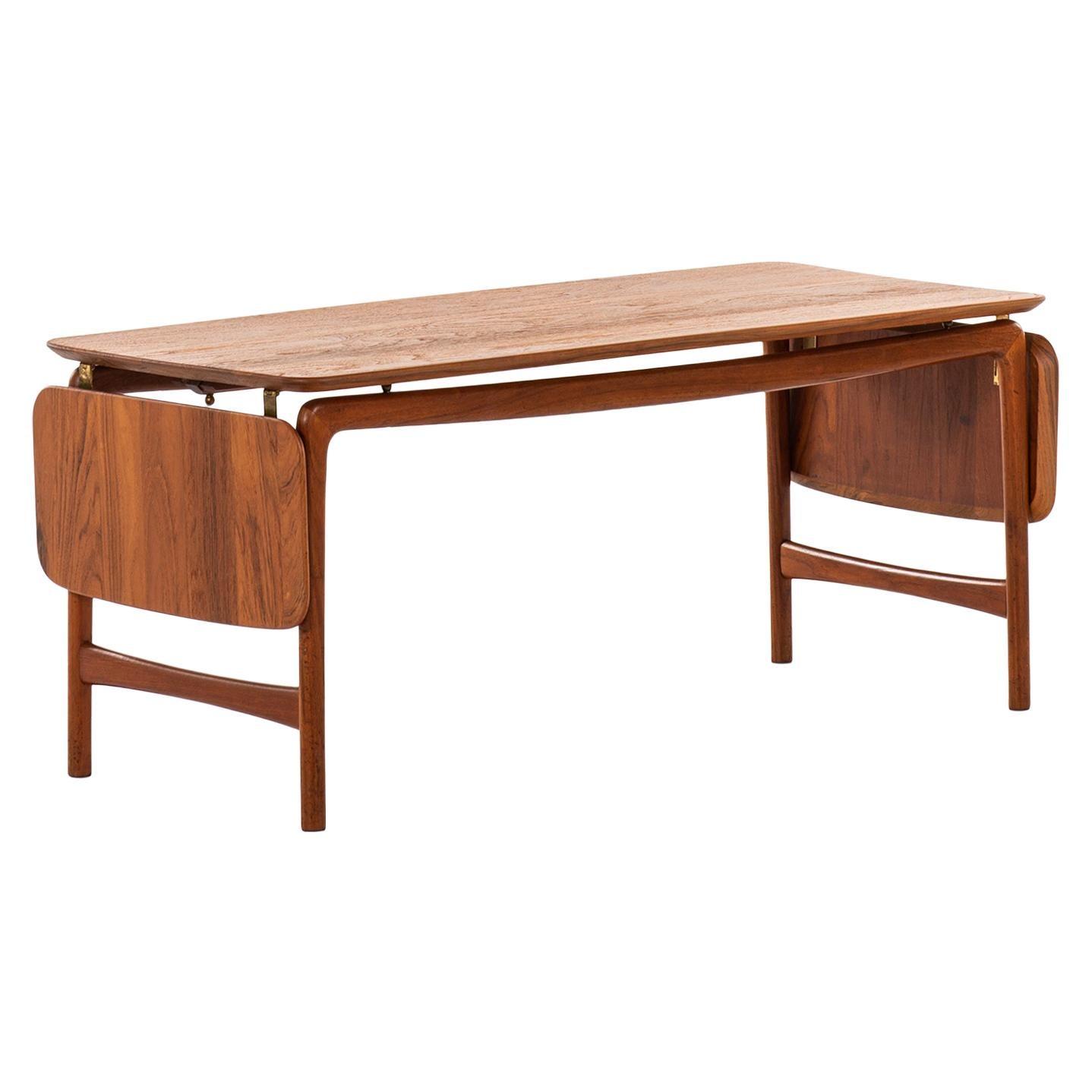 Peter Hvidt & Orla Mølgaard-Nielsen Coffee Table Model FD 15/54 in Teak