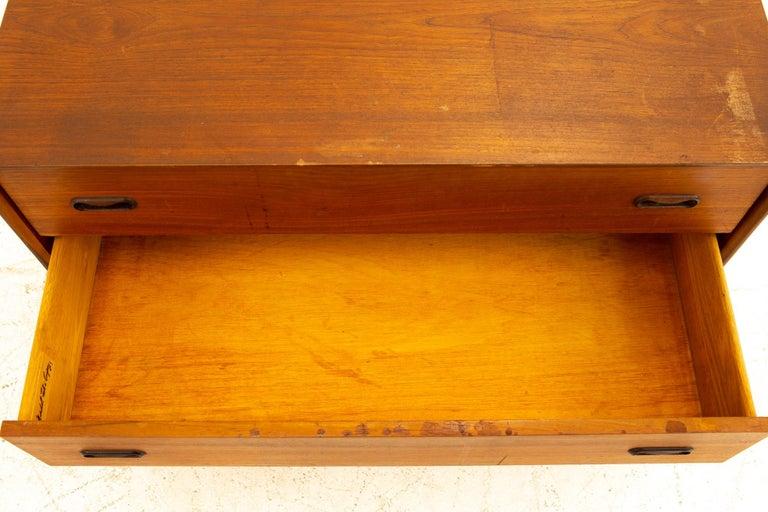 Peter Hvidt Style Midcentury Teak 3-Drawer Dresser Chest of Drawers For Sale 3