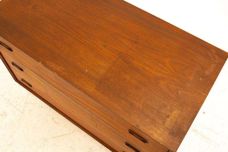 Wood Peter Hvidt Style Midcentury Teak 3-Drawer Dresser Chest of Drawers For Sale