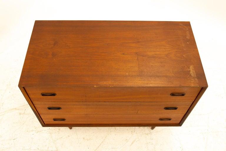 Peter Hvidt Style Midcentury Teak 3-Drawer Dresser Chest of Drawers For Sale 2