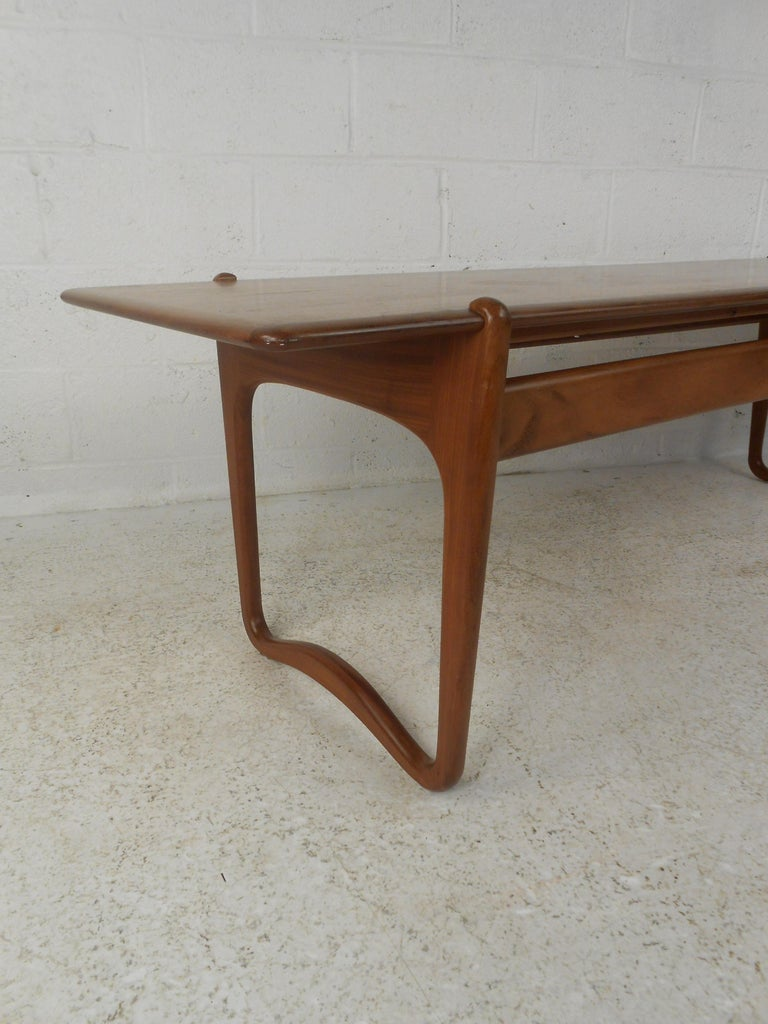 Peter Hvidt Teak Coffee Table In Good Condition For Sale In Brooklyn, NY