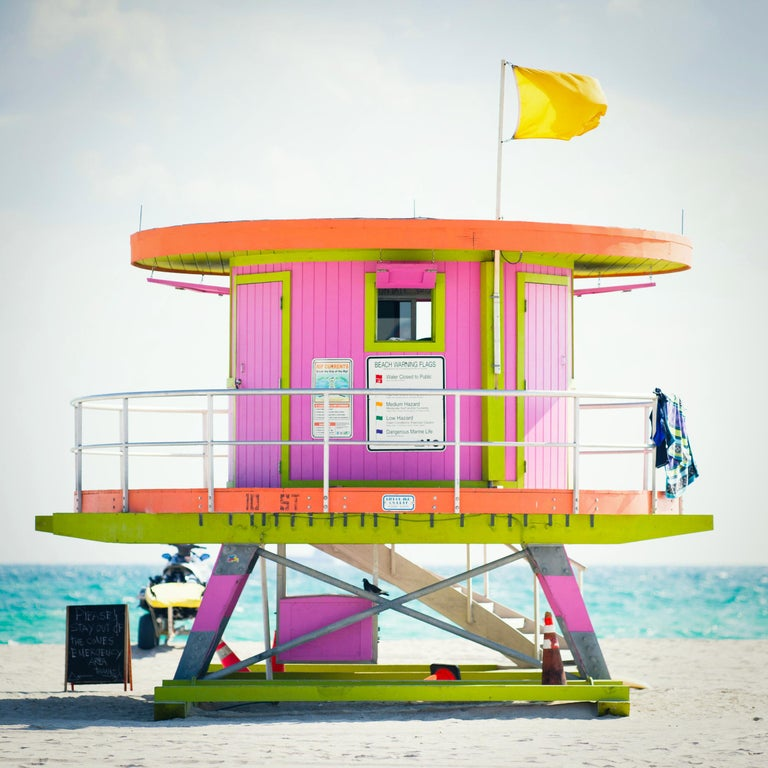 """Peter Mendelson Abstract Photograph - """"10th St. Miami Lifeguard Stand - Rr View,"""" Contemporary Photograph - 30 x 30"""
