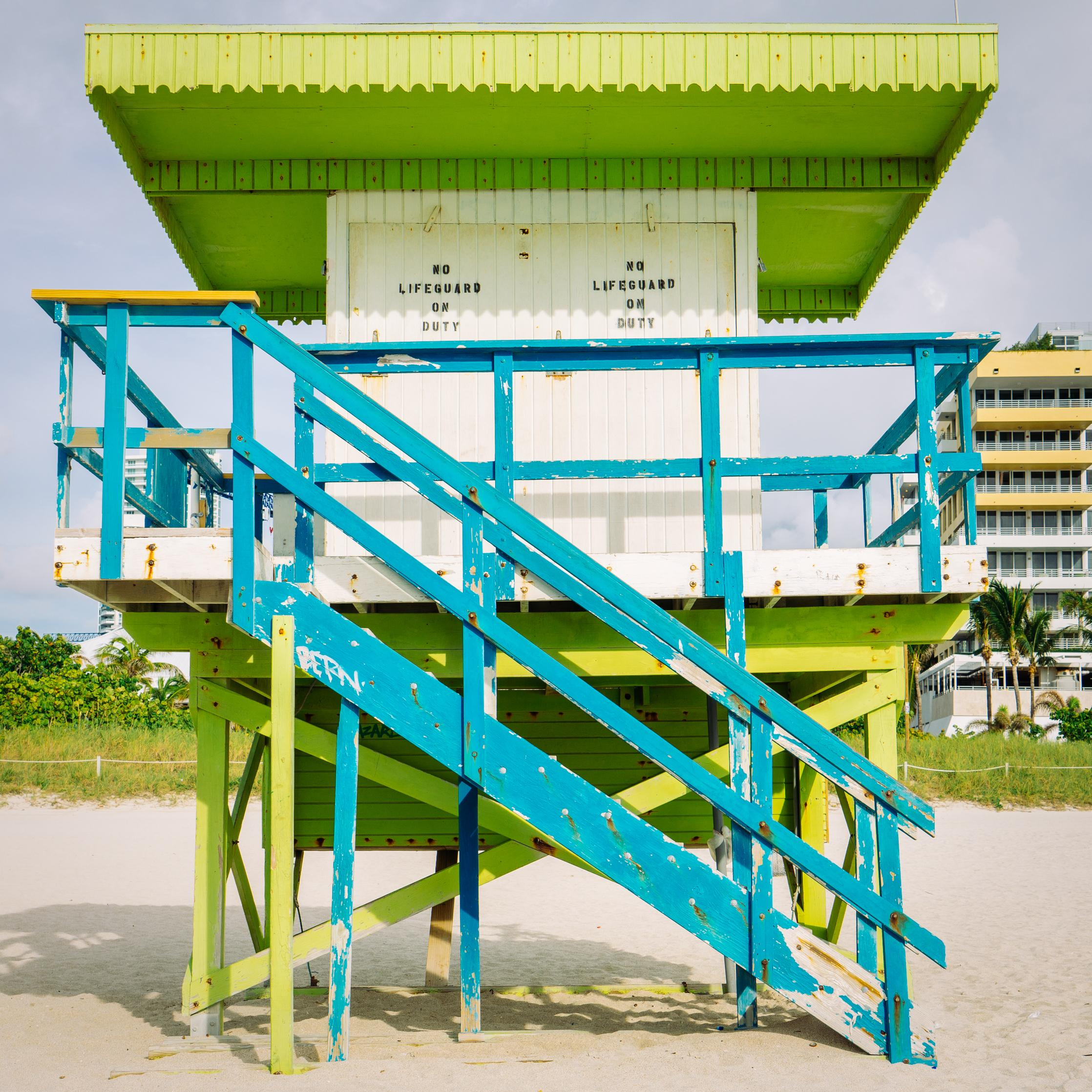 """1st Street Miami Lifeguard Stand - Front View,"" Contemporary Photograph - 20x20"