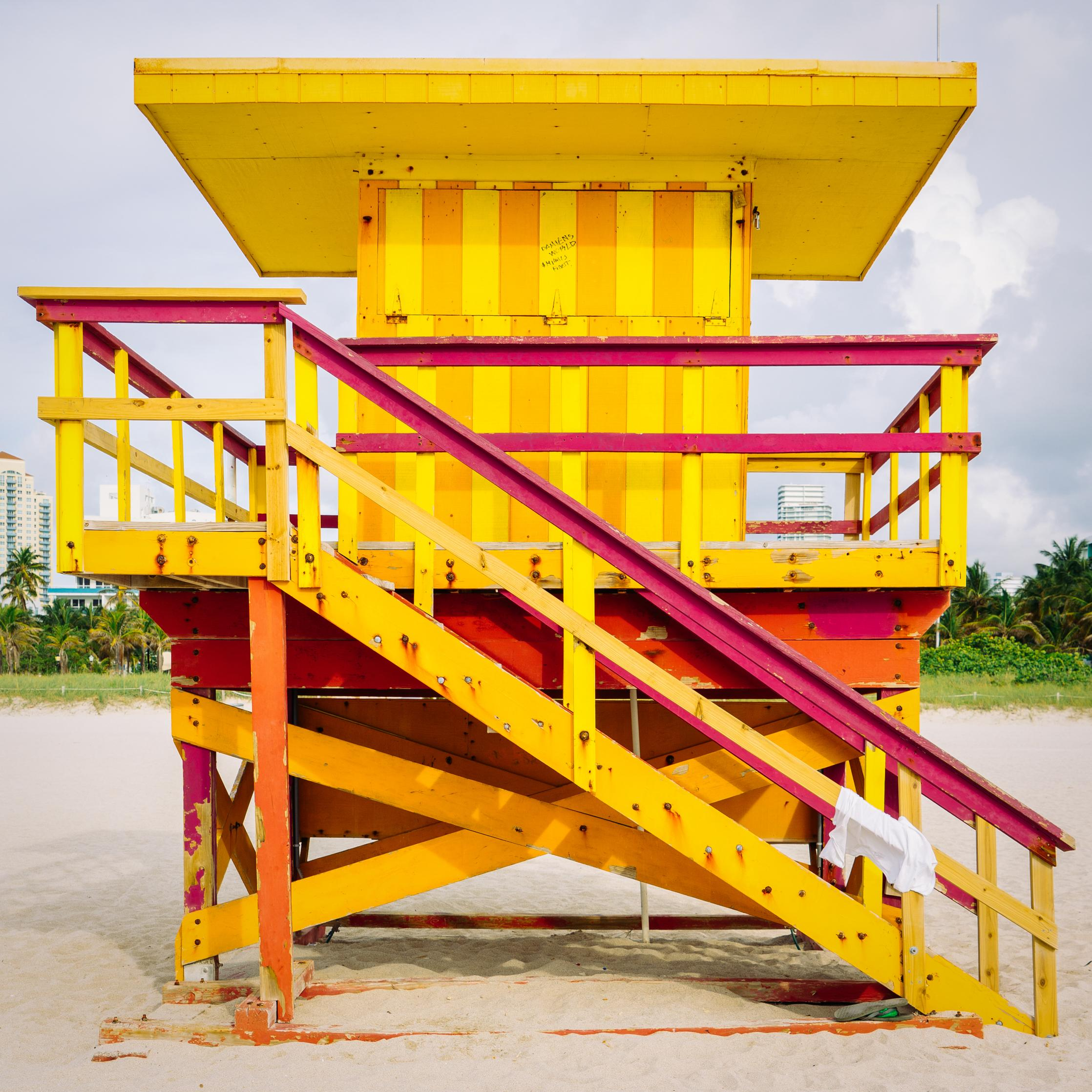 """""""3rd Street Miami Lifeguard Stand - Ft View,"""" Contemporary Photograph - 20x20"""