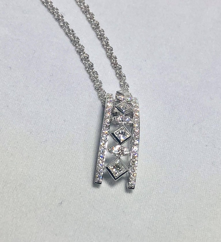 Modern Peter Storm 18 Karat White Gold and Princess and Round Diamond Pendant Necklace For Sale