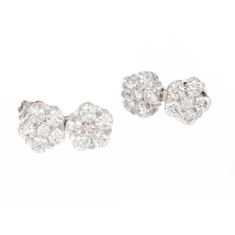 Peter Suchy 2.11 Carat Diamond White Gold Flower Cluster Dangle Earrings In Good Condition In Stamford, CT