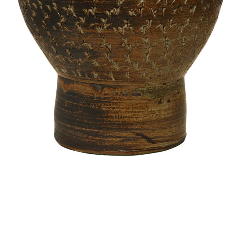 Peter Voulkos Stoneware Lamp Earth Tones Ceramic Incised Signed USA, 1950s For Sale 2