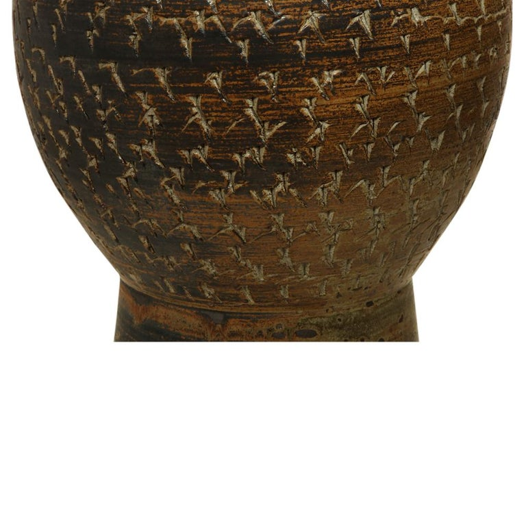 Peter Voulkos Stoneware Lamp Earth Tones Ceramic Incised Signed USA, 1950s For Sale 3