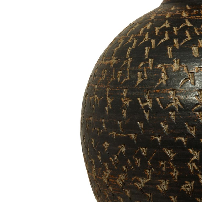 Pottery Peter Voulkos Stoneware Lamp Earth Tones Ceramic Incised Signed USA, 1950s For Sale