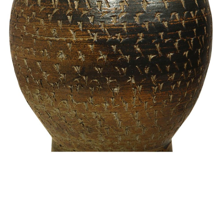 Peter Voulkos Stoneware Lamp Earth Tones Ceramic Incised Signed USA, 1950s For Sale 1
