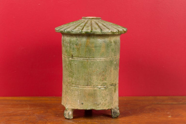Petit Chinese Ming Dynasty 17th Century Terracotta Granary with Verdigris Patina In Good Condition For Sale In Yonkers, NY