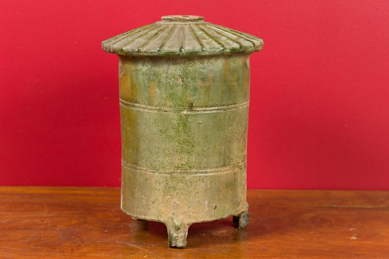 Petit Chinese Ming Dynasty 17th Century Terracotta Granary with Verdigris Patina For Sale 4
