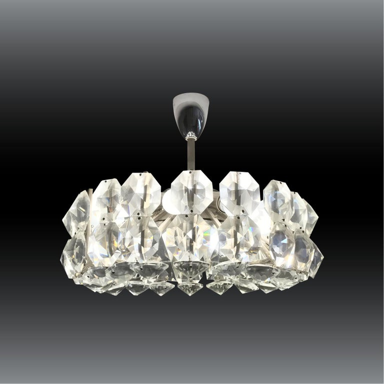 Petite Bakalowits Crystal Chandelier In Excellent Condition For Sale In Vienna, AT
