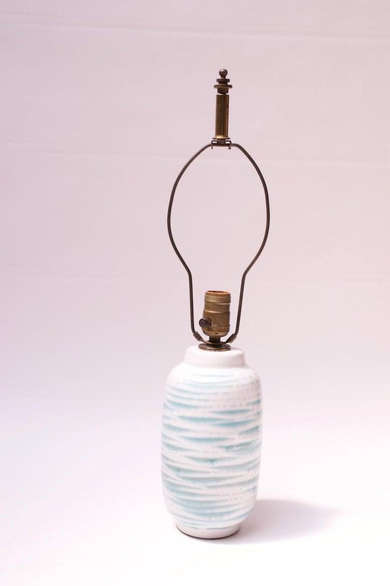 Mid-Century Modern Petite Blue and White Ceramic Table Lamp by Lee Rosen for Design Technics For Sale